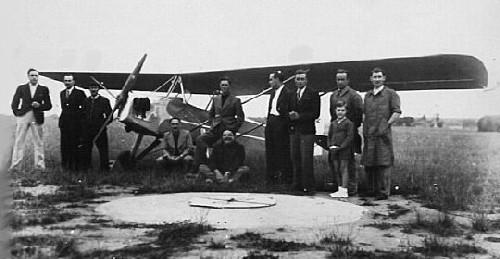 Un des premiers avions du Club