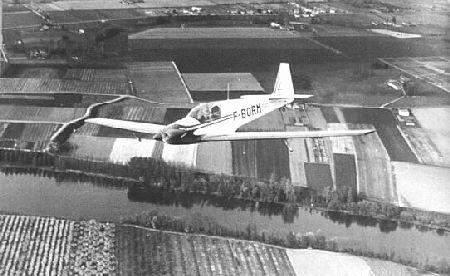 Le Fournier RF4 en vol
